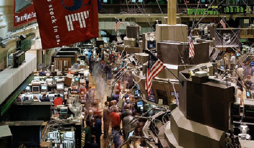 Turbulenzen an den Börsen bei binäre Optionen nutzen
