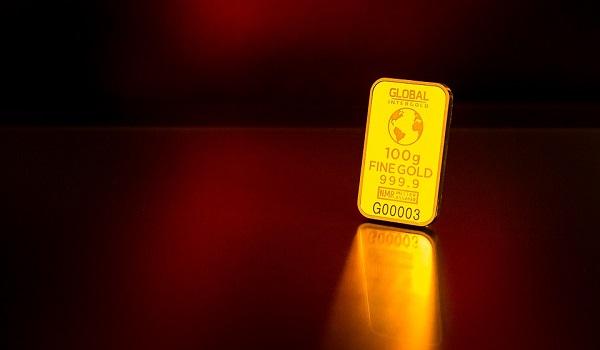 Edelmetall Gold wegen starken Dollar unter Druck